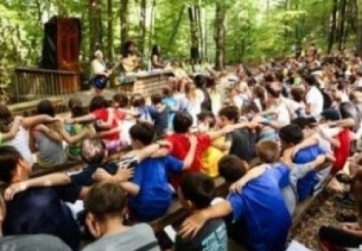 Jewish-kids-at-camp.jpg