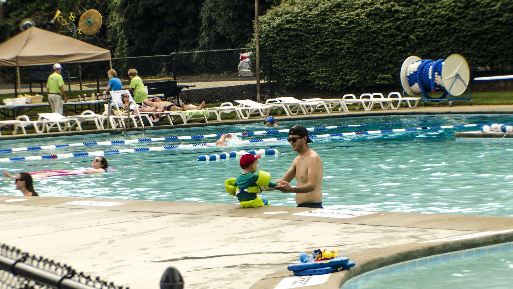 outdoor pool1(6).jpg