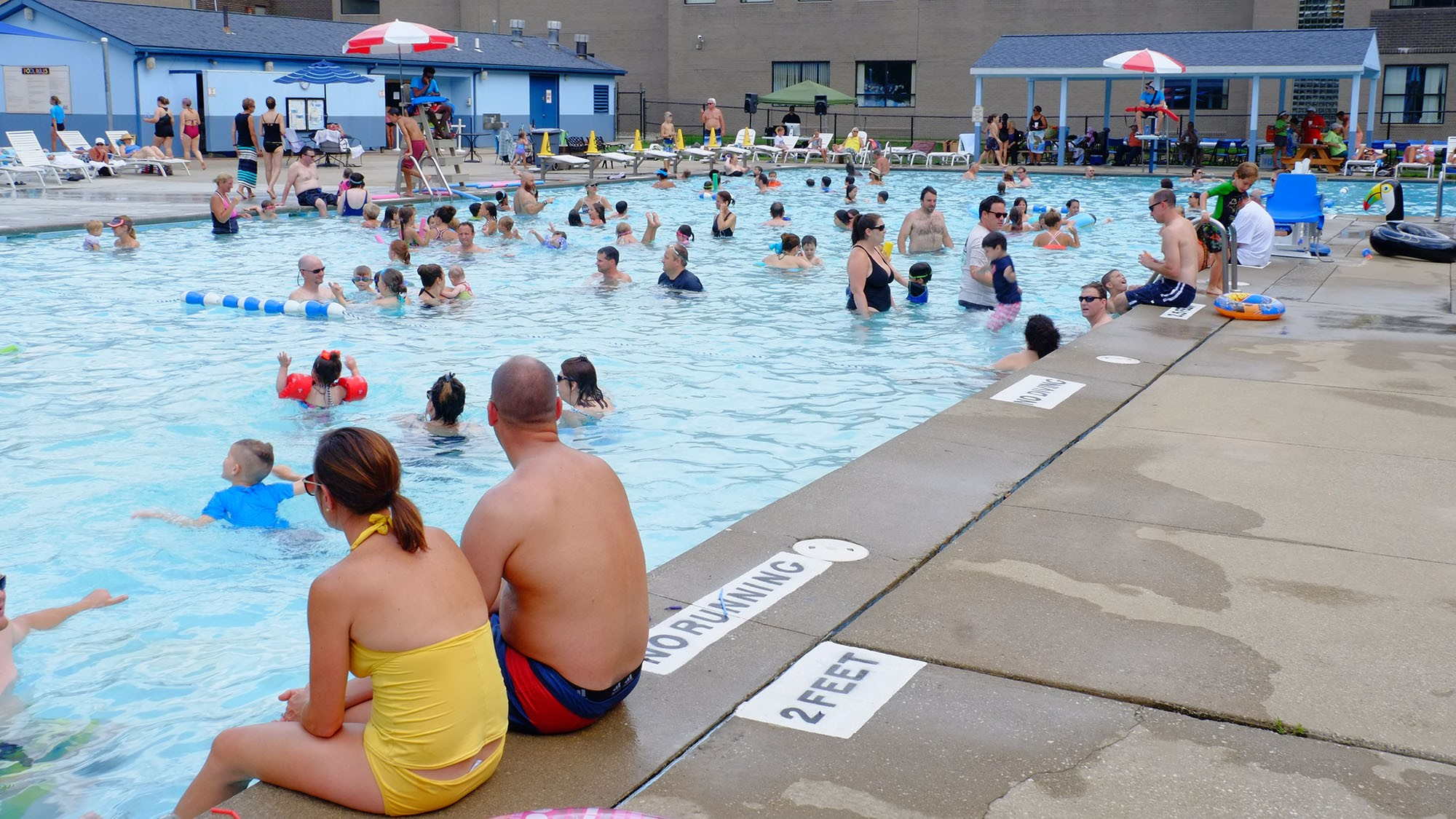 outdoor pool9.JPG