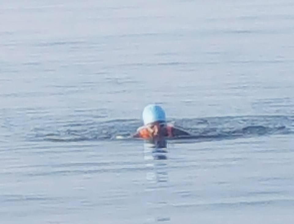 Tri swim Sandra.jpg